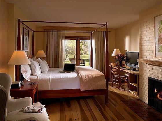 New-Harmony-Inn-photos-Room